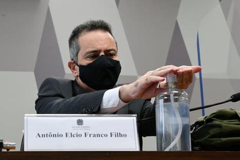 Elcio Franco diz que tomou remédios sem eficácia contra Covid