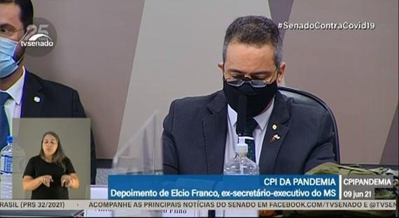 Elcio Franco diz que governo não comprou a Coronavac por falta de marco legal