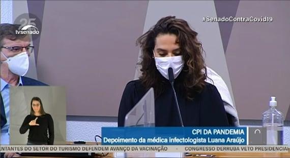 """Luana elogia Queiroga e diz que """"não recebeu um centavo"""" pelo trabalho na Saúde"""