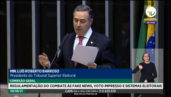 """""""Não queremos passar de censura estatal para censura privada"""", diz Barroso, sobre fake news"""