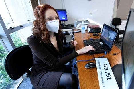 """Mentira perpetrada pelo governo mata"", diz Natalia Pasternak à CPI da Covid"
