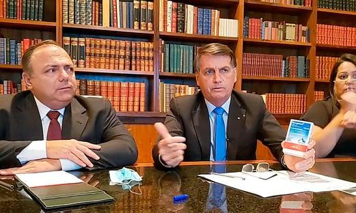 """Bolsonaro """"consegue transformar tudo aquilo que é errado em certo"""", diz deputado"""