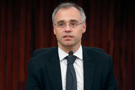 """Mendonça diz que STF não pode """"tutelar ou supervisionar"""" divisão de emendas do Bolsolão"""