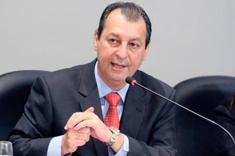 """Omar Aziz: CPI da Covid não será """"caça às bruxas"""" e servirá para """"aprendermos com erros"""""""
