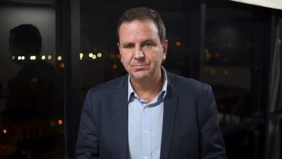 Paes rebate ataques de Bolsonaro à Coronavac