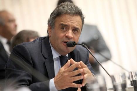Aécio critica jogo fratricida entre PSDB e DEM