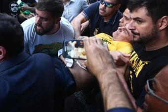 "IMAGEM: ""Requentar a facada só ajuda Bolsonaro"""