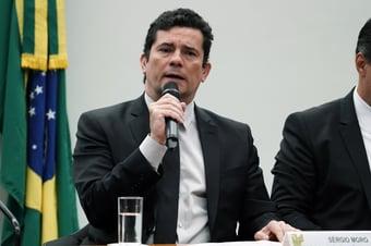 IMAGEM: Moro anuncia MP para vender bens confiscados de traficantes