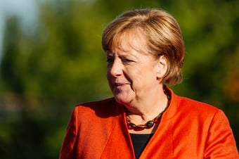 IMAGEM: Angela Merkel parabeniza Olaf Scholz por vitória nas eleições alemãs
