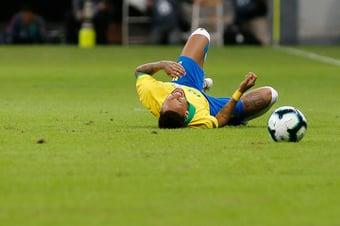IMAGEM: Neymar é acusado de dever 34 milhões de euros à Receita espanhola