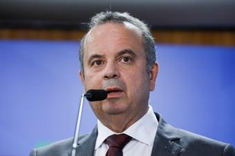 """IMAGEM: Marinho admite indicações políticas em cargos de seu ministério: """"Qual é o crime?"""""""