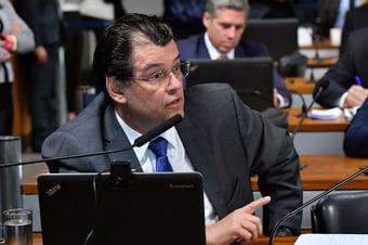 IMAGEM: Governo adiou redução de imposto de importação de eletrônicos, diz senador