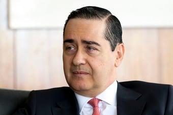 IMAGEM: Mourão indicou Thompson Flores ao STF, mas Bolsonaro quis um 'terrivelmente evangélico'