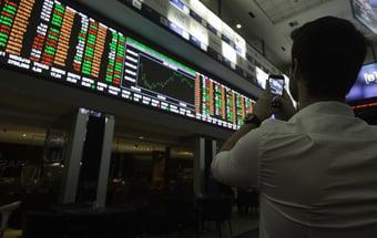 IMAGEM: Inflação global e baixo crescimento preocupam investidores; bolsas caem