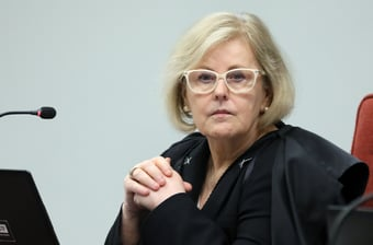 IMAGEM: Parecer da PGR contra investigar Bolsonaro por falta de máscara causa 'perplexidade', diz Rosa