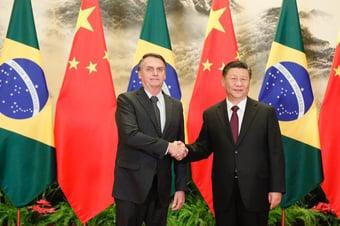 IMAGEM: Bolsonaro anuncia satélite em parceria com a China
