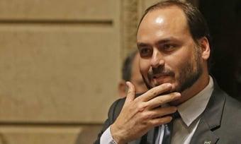 IMAGEM: Justiça suspende investigação feita a pedido de Carlos Bolsonaro sobre youtuber Felipe Neto