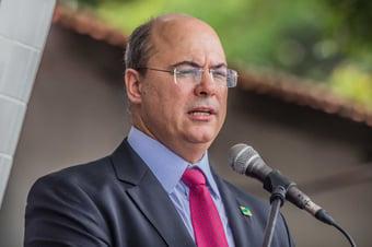 IMAGEM: Witzel prorroga isolamento social no Rio