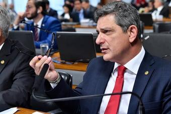 IMAGEM: Senador diz que FIB Bank já prestou garantias para AGU e Ministério da Fazenda