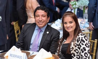 IMAGEM: Após divórcio, MP dá aval para ex de Magno Malta manter mandato na Câmara