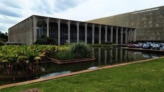 IMAGEM: Consulado-Geral do Brasil no México dificulta repatriação, dizem servidores em carta