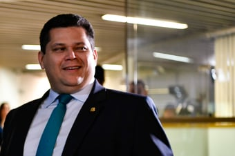 IMAGEM: PGR arquiva pedido de investigação de Alcolumbre por 'travar' impeachment de ministros do STF