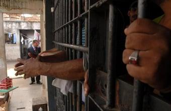 """IMAGEM: SP: 37 mil presos serão beneficiados com """"saidão"""" na próxima semana"""