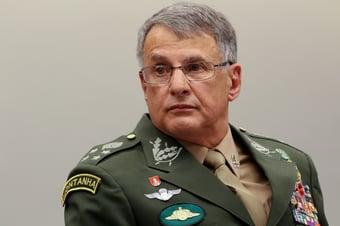 IMAGEM: A quarentena do ex-comandante do Exército