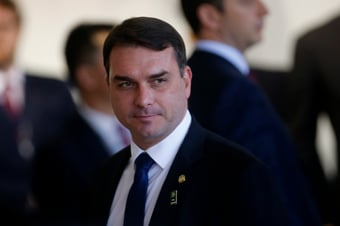 IMAGEM: Flávio Bolsonaro não vai a acareação com Paulo Marinho