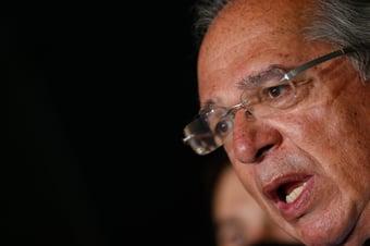 IMAGEM: Guedes anuncia 'agenda' para tentar atrair investimento privado