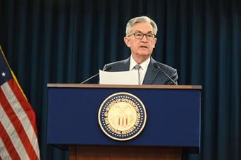 IMAGEM: Fed mantém taxa de juros nos EUA próxima de zero, sem sinal de alta