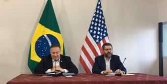 IMAGEM: Em data limite para Covax, Ernesto Araújo estava incomunicável