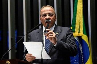 """IMAGEM: PF aponta """"forte influência"""" de Chico Rodrigues sobre governo de Roraima"""