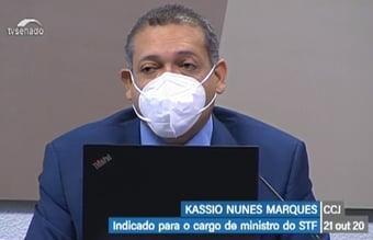 IMAGEM: Kassio fala em 'troca de arquivo' com advogado em dissertação