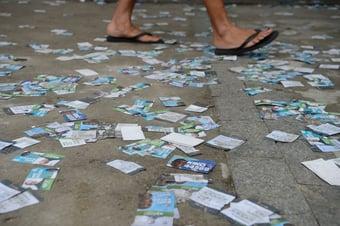IMAGEM: PM é preso por fazer boca de urna no Rio