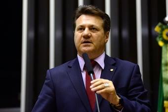 IMAGEM: Vice-líder do governo Bolsonaro pede votos para o PT