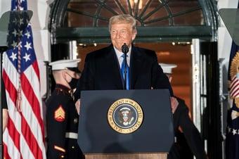 IMAGEM: Trump fala abertamente em candidatura à Casa Branca em 2024