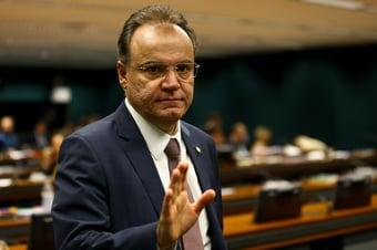 """IMAGEM: Com crise energética, tucano provoca governo Bolsonaro: """"Não aceita alerta e opinião"""""""