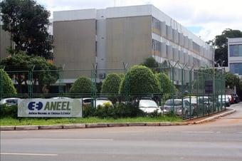 IMAGEM: Aneel reajusta valor da bandeira tarifária vermelha 2 em 52%