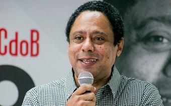 """IMAGEM: Orlando Silva diz que Bolsonaro """"é o 'mito' da corrupção"""""""