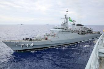 IMAGEM: Fragata retorna ao Brasil após quase dez anos no Líbano