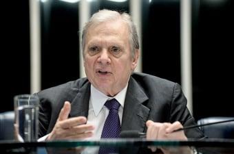 IMAGEM: Senador apresenta proposta para substituir Bolsa Família