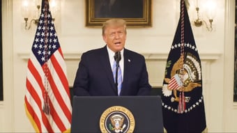 IMAGEM: Trump chama líder republicano no Senado de 'charlatão' e pede sua destituição