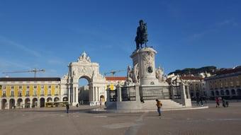 IMAGEM: Covid: Portugal impõe toque de recolher noturno para conter variante Delta