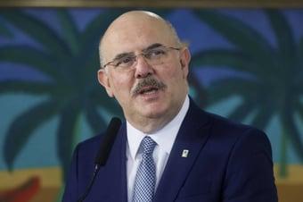 IMAGEM: Ministro da Educação cita escolas sem saneamento ao justificar veto à internet