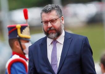 IMAGEM: Ernesto Araújo pede licença e deixa Itamaraty por um ano