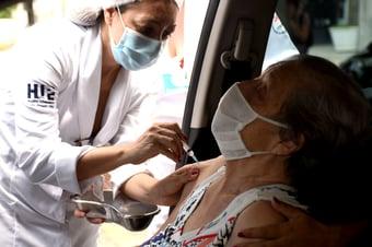 IMAGEM: Cinco estados registram falta de doses da AstraZeneca