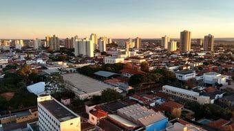 IMAGEM: Mortes por Covid em Araraquara caem 62% em abril