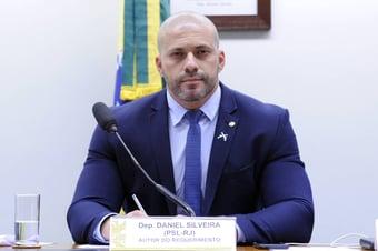 IMAGEM: Moraes mantém prisão preventiva de Daniel Silveira