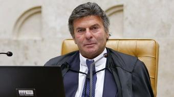 IMAGEM: Luiz Fux e deputados do PL adiam reunião
